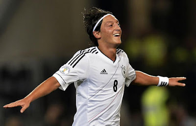`Top 5´ futbolistas que rinden más con su país