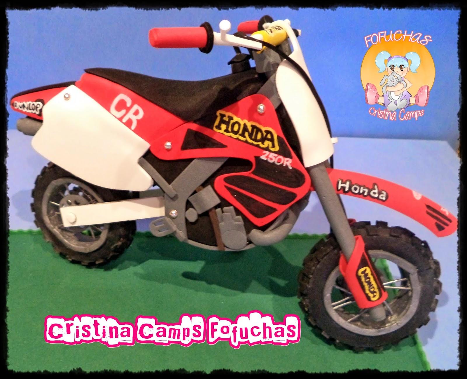 http://cristinacampsfofuchas.blogspot.com/2014/03/fofucha-moto.html