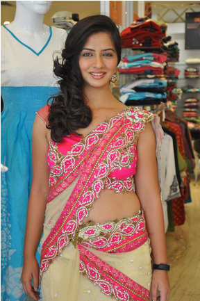 Flickeflu Lara Dutta Nip Slip From Blue Bollywood Actresses Zimbio