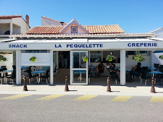 Image of La Pequellette, a lovely restaurant on the French Mediterranean.