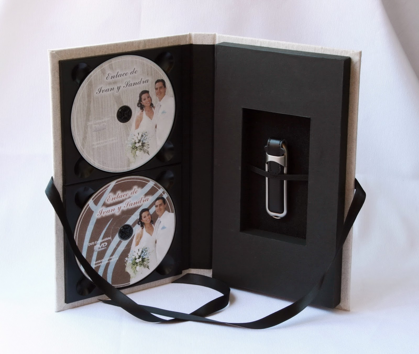 Estuche para 2 DVD + 1 USB Lino Crudo abierto