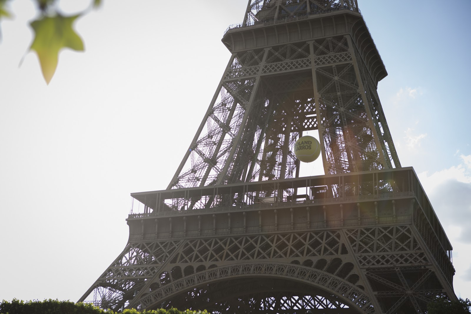 Tour Eiffel Balle de Tennis Roland Garros