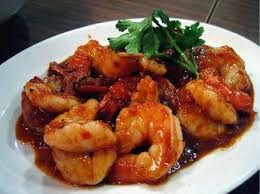 sambal goreng udang memiliki rasa yang gurih dan cocok di santap bersama nasi hangat