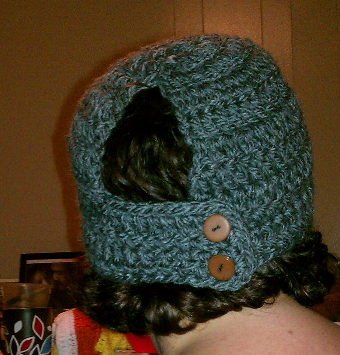 Tw-In Stitches: Toasty Warm Ponytail Hat