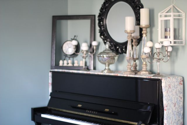 Our life in a click decorating the piano - Piano for small space decoration ...