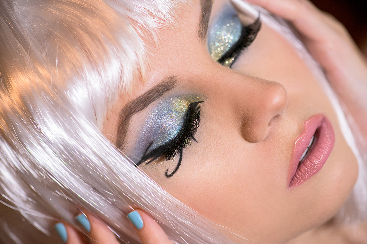 Video Tutorial Katy Perry Dark Horse Video Makeup Tutorial Halloween Cleopatra Makeup Eye Of Horus Lipstick On Your Pillow Makeup Beauty And Fashion Blog