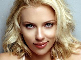 Scarlett Johansson Smiling pic