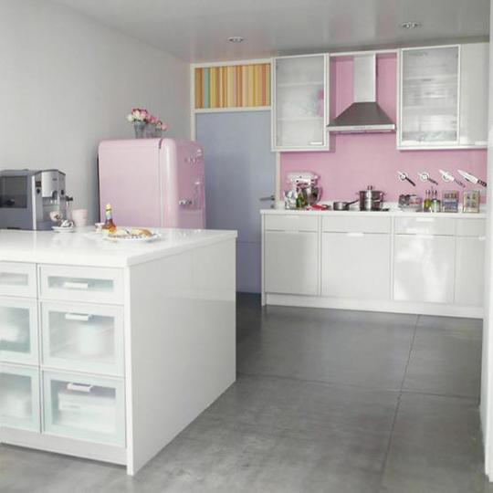 teach chic smeg fridge love. Black Bedroom Furniture Sets. Home Design Ideas