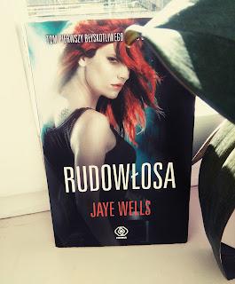 Październik z wampirami - Rudowłosa