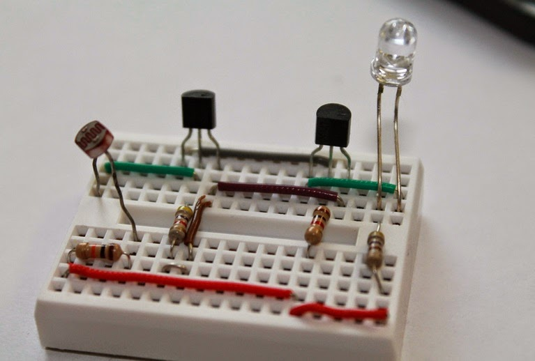 Dark Sensor using LDR on Breadboard ~ Mjk Circuits