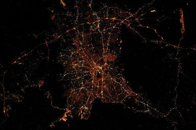 Η Αθήνα το βράδυ από τον Διεθνή Διαστημικό Σταθμό