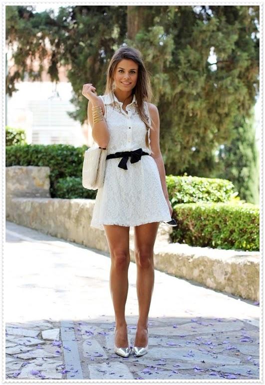 weißen kurzen Kleid
