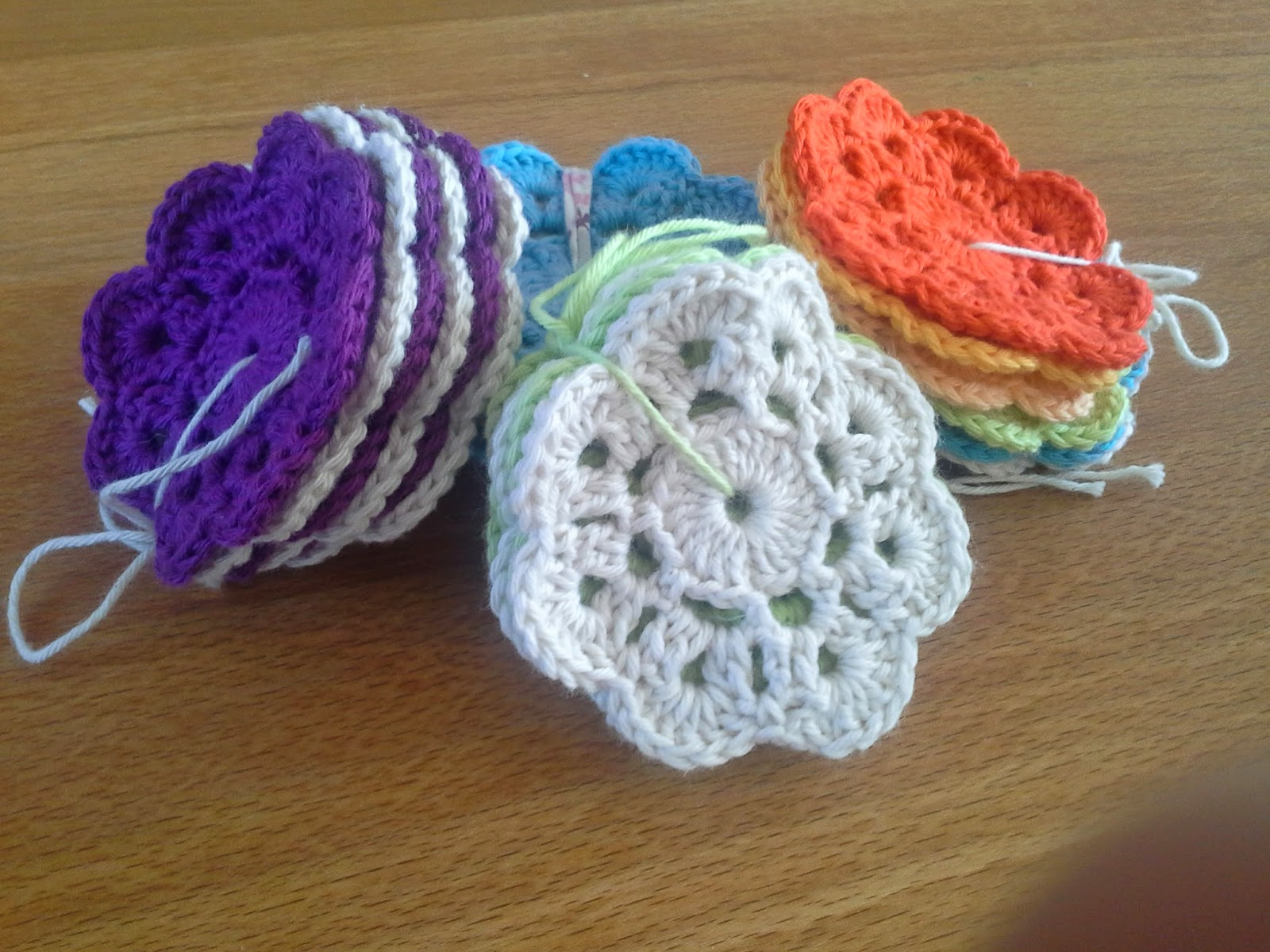 Crochet between worlds maybelle flowers sunday 20 april 2014 bankloansurffo Images