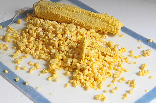 Салат с молодой кукурузой и цукини