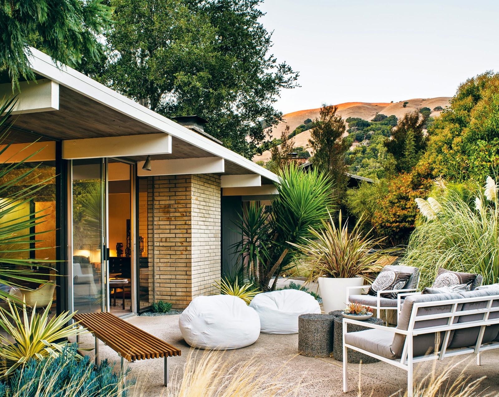 die wohngalerie renovierung eines kalifornischen eichler hauses im modernisierten mid century. Black Bedroom Furniture Sets. Home Design Ideas