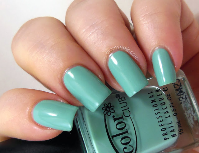 Color Club New Bohemian swatch