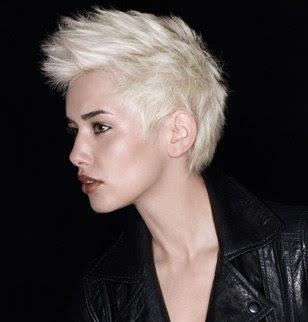 rövid szőke punk haj