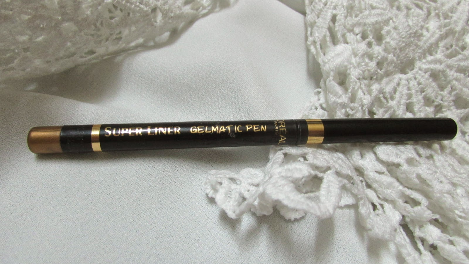 double flick eyeliner, double flick gold eyeliner, fall makeup, loreal, loreal makeup, makeup, party makeup, red lips, triple flick eyeliner, Super Liner Gel Matic Pen,Loreal Color Riche Lipcolor,Loreal Super Liner , Black Lacqure, loreal makeup,beauty , fashion,beauty and fashion,beauty blog, fashion blog , indian beauty blog,indian fashion blog, beauty and fashion blog, indian beauty and fashion blog, indian bloggers, indian beauty bloggers, indian fashion bloggers,indian bloggers online, top 10 indian bloggers, top indian bloggers,top 10 fashion bloggers, indian bloggers on blogspot,home remedies, how to