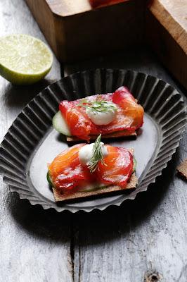 saumon , mariné , betterave, gravadlax, scandinave , noel , vodka Belvedère