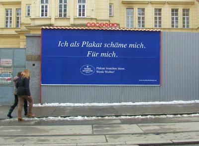 Bécs, Wien, közterületi reklám, plakát, Vienna, Ausztria, Österreich, óriásplakát
