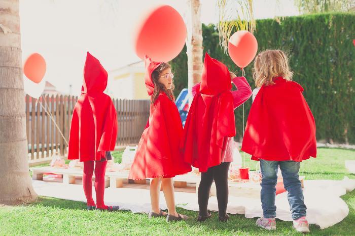 Niñas disfrazadas Fiesta de Caperucita Roja