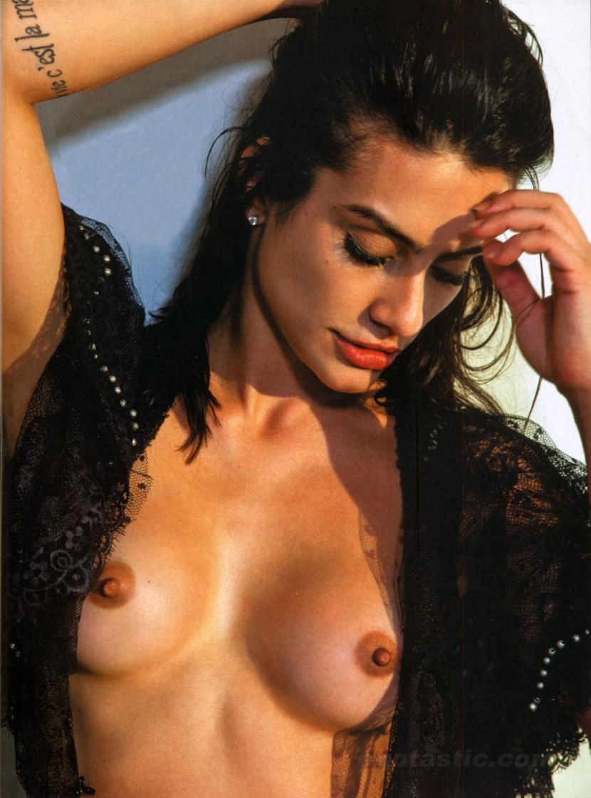 Cleo Pires Nude