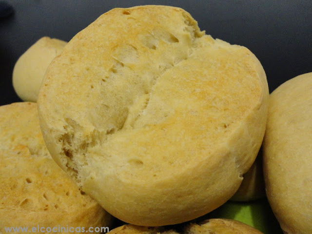 Bollos de pan casero. Francesillas