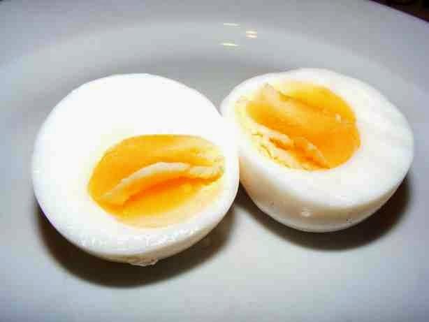 Kiaušinis po 4 minučių virimo šaltame vandenyje
