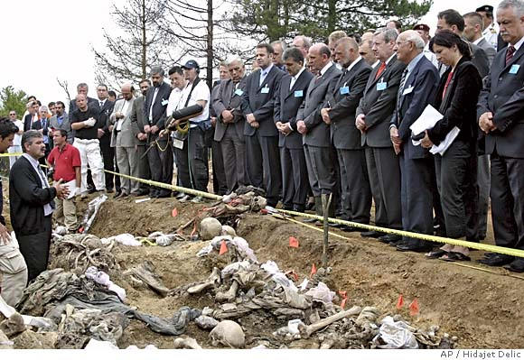 Justin Bieber Fever TV: Srebrenica Massacre