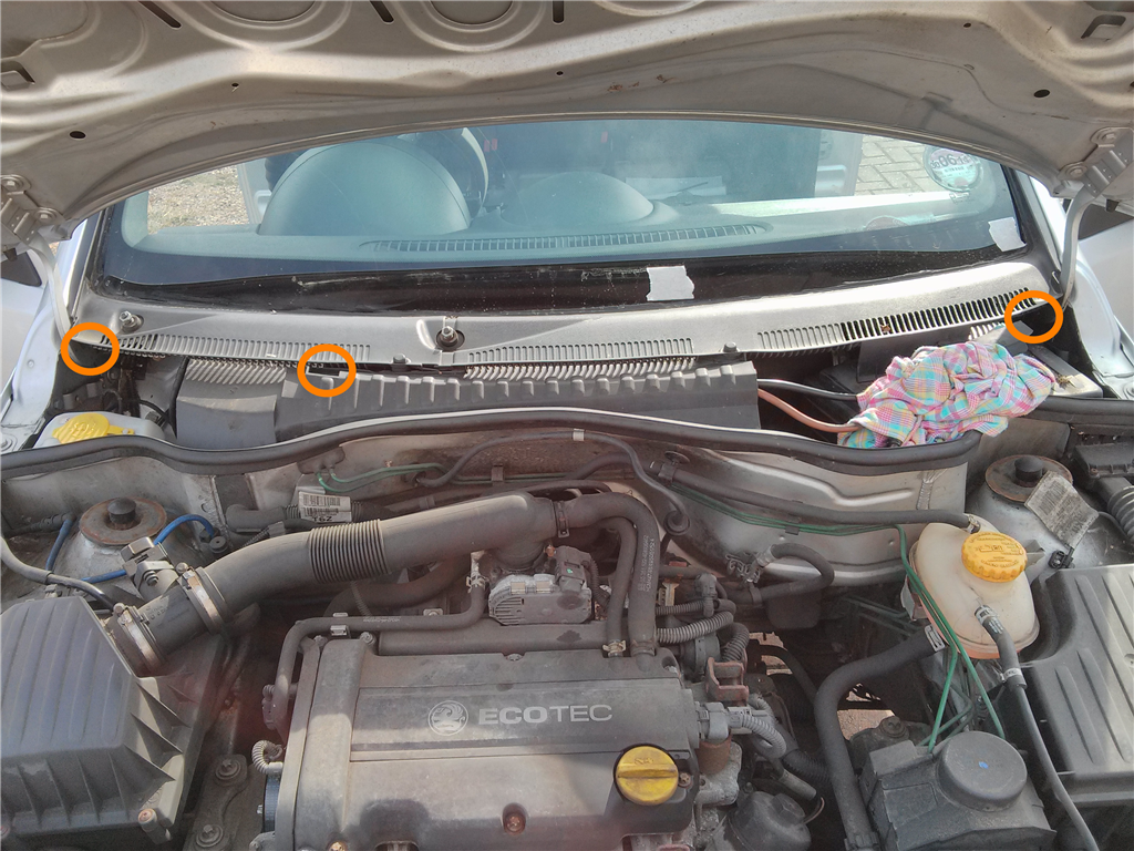 Cars Code And Other Fun Stuff Corsa C Water Leak Challenge Astra H In Fuse Box Scuttle Panel Is Secured By Three Torx 20 Screws Highlighted Orange The Picture