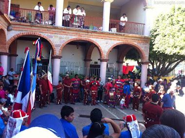 Música y baile en la fiesta de Araro