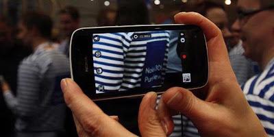 Nokia 808 PureView Harga Spesifikasi