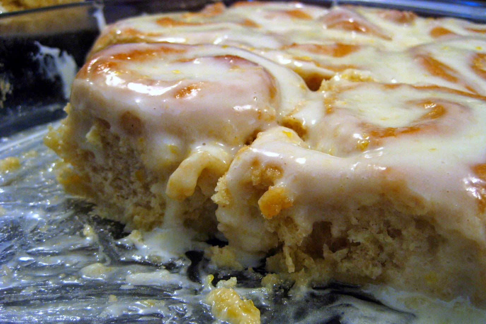 FOOD AND COOK : Sticky Lemon Rolls with Lemon Cream Cheese Glaze