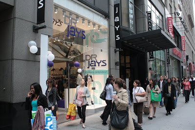 11 Popular Sites Like Drjays Our technology has scanned through the net and identified tons of noted clothing and shopping sites like Drjays. Come and check out additional webpages that are complementary to Drjays.