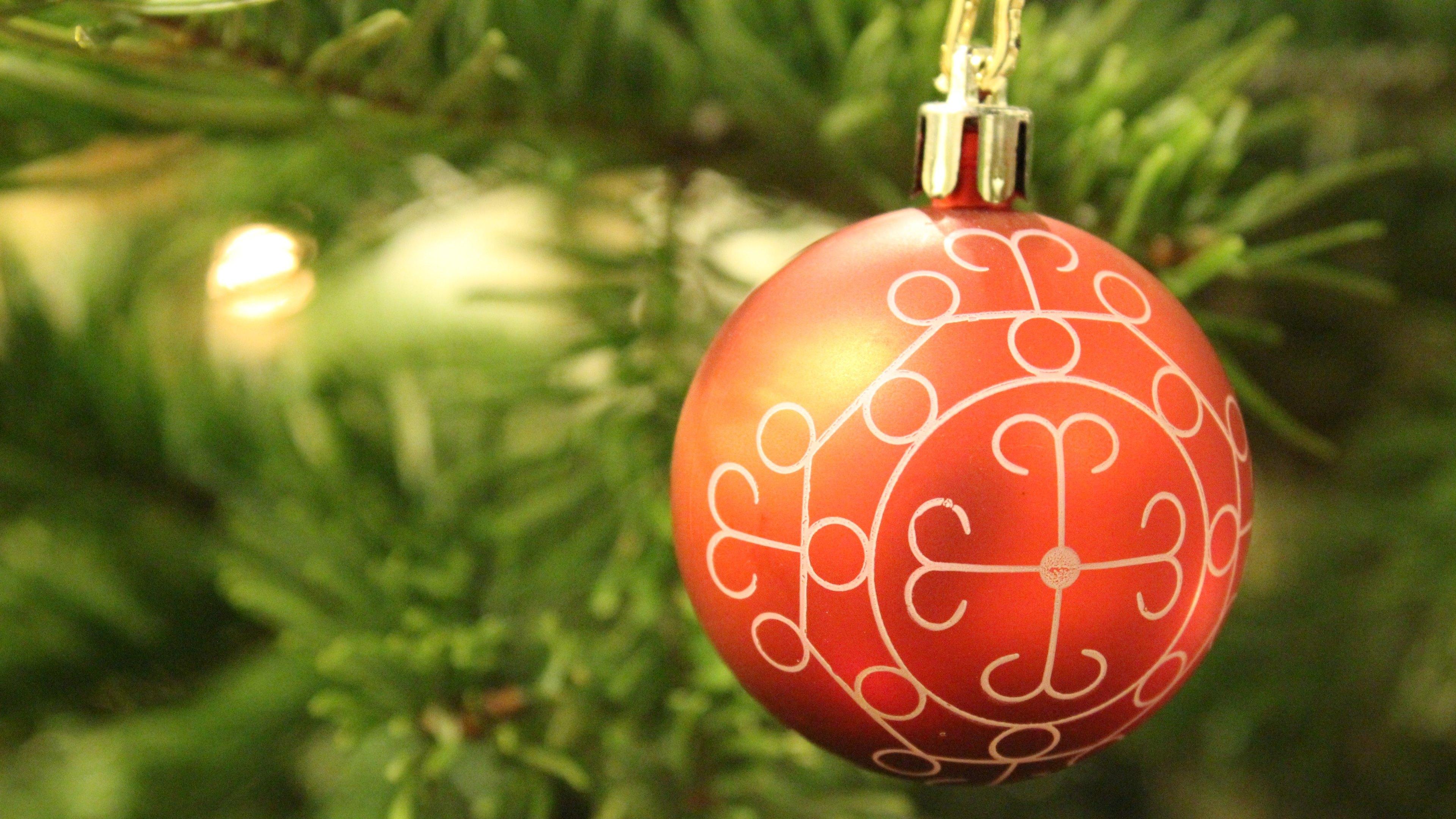 Christmas Tree Ball Placement : Christmas tree ball