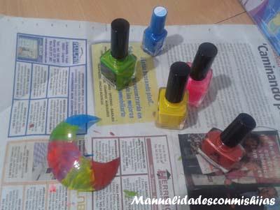 Manualidades infantiles: Pintado luna con esmaltes de uñas
