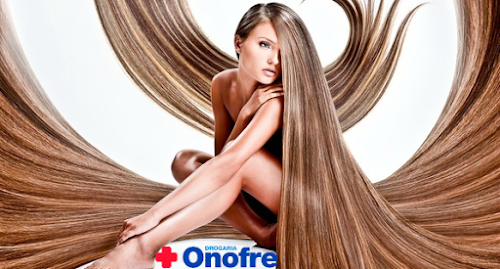 Drogaria Onofre oferece corte de cabelo gratuito durante Outubro Rosa