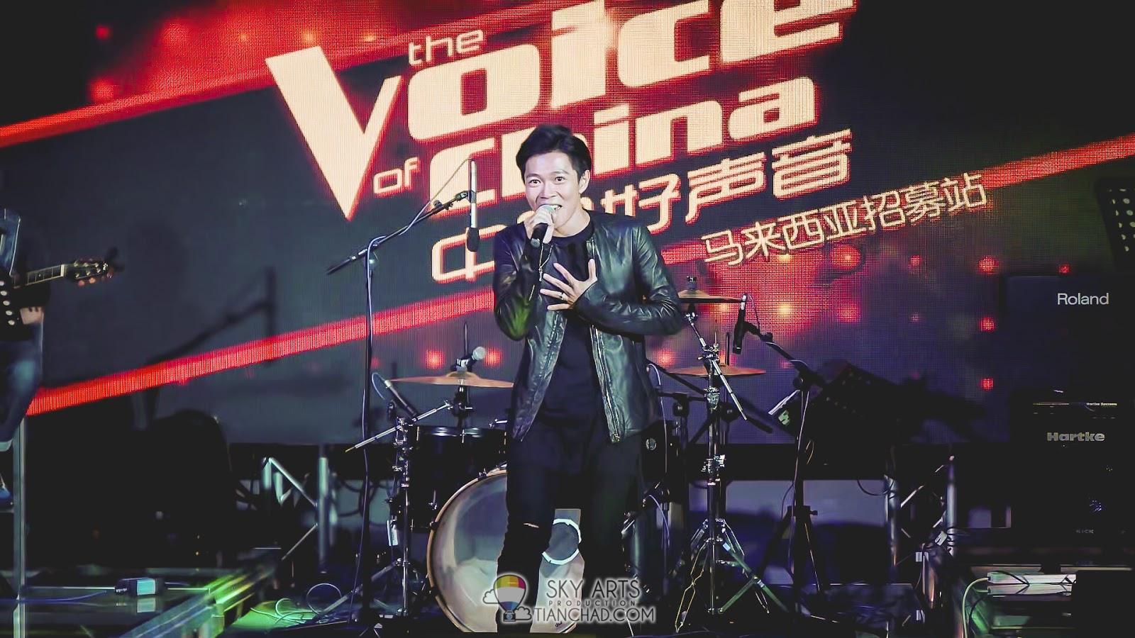 """张诒博现场演绎《你的爱》和《Count On Me》两首不同曲风的歌曲,让媒体""""验证""""他歌唱实力。"""