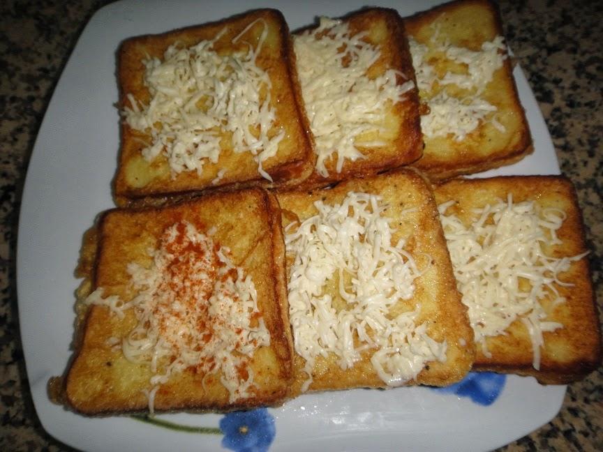 توست بالبيض والجبن وجبة سهلة وخفيفة للعشاء