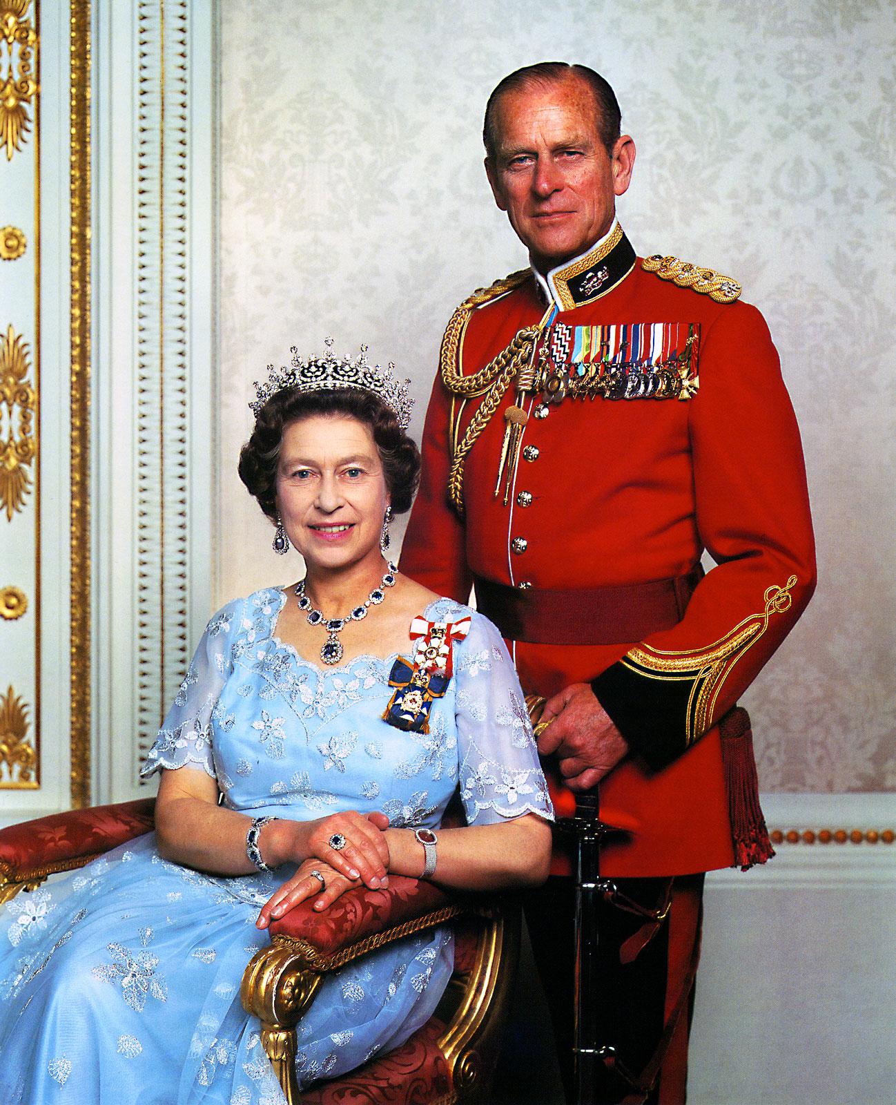 http://1.bp.blogspot.com/-8dWt3sh6_X8/TgrPSrWGK4I/AAAAAAAAKoA/Nskm8dwfODo/s1600/Queen-Elizabeth-and-Prince-Philip-Patek-Philippe.jpg