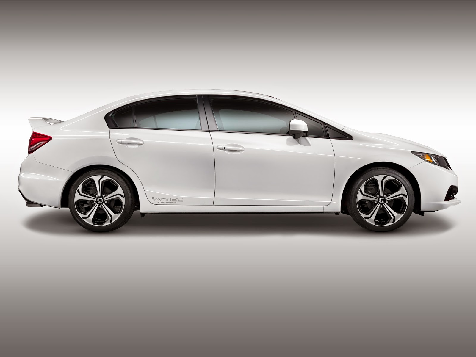 Side view of 2015 Honda Civic Si Sedan
