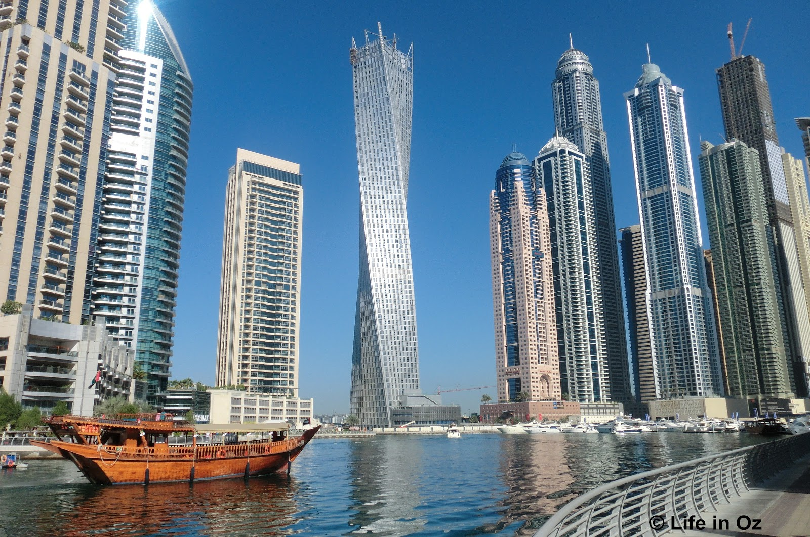 Life in oz dubai at its best for Best at dubai