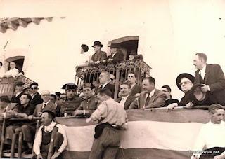Palco de la presidencia de los Toros en Candelario Salamanca año de 1957