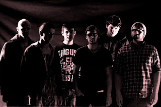 """1.""""FORGOTTEN""""    Terbentuknya FORGOTTEN tidak pernah lepas dari sejarah komunitas musik HOMELESS CREW di Ujungberung Bandung. Bagian dari sebuah komunitas musik cadas paling tua di Bandung dan masih tetap aktif hingga sekarang. Mereka lahir dan berkembang untuk menjadi bagian dari sejarah musik underground di Bandung dan Indonesia.  Bulan January 1997 album pertama """"FUTURE SYNDROME"""" di rilis. Bermaterikan enam buah lagu berlirik Inggris di rilis oleh bendera indie lokal PALAPA RECORD. Mengusung konsep musik old skool death metal style yang dipadukan dengan beat hardcore dan cross over/thrash metal. Karakter sound kasar, gaya vokal rought screaming yang emosional dipadukan dengan lirik yang bertemakan social dan politik mencoba memotret kondisi realitas yang terjadi pada saat itu. Peredarannya mencakup wilayah Indonesia dan Asia. Sedangkan untuk peredaran di wilayah Eropa di rilis oleh perusahaan indie Jerman MORBID RECORDS.  Bulan Maret 1998 album single promo FORGOTTEN bermaterikan dua buah lagu dengan titel """"OBSESI MATI Promo Tape 98"""" di rilis di bawah perusahaan indie lokal ROCK RECORD. Pasca Forgotten mulai konsentrasi untuk penggarapan proyek full album yang ke dua. Bertempat di studio Rehearsal 40124 Bandung, sepuluh materi lagu mulai di rekam. Di bawah label indie lokal Extreme Soul Production, bulan Agustus 2000 album kedua """"OBSESI MATI"""" dirilis. Pada album ini Forgotten berhasil menemukan karakter musik death metal yang bersumber dari realitas personal. Lirik yang gelap, depresif serta tehnik vokal yang sangat emosional. Album ini seolah menjadi representasi dari sebuah realitas jaman.  Bulan Juli 2001 kembali FORGOTTEN masuk studio. Sebuah album yang menuai banyak kontroversi dengan titel """"TUHAN TELAH MATI"""" dirilis bulan Agustus 2001 oleh ROCK RECORD. Berisi 4 lagu dengan aransemen musik technical death metal dengan lyric yang sarcastic menggunakan sudut pandang teori filsafat nihilism dan diproduksi dalam jumlah yang terbatas.  Bulan Maret 2003 FORGOTTEN """