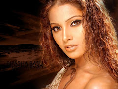 Bipasha Basu Hot Sexy Wallpaper
