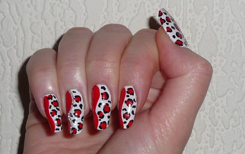 My Spot: DIVA RED LEOPARD NAIL ART