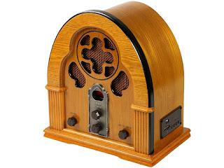Rádio Capelinha com Entrada USB e SD Card AM/FM
