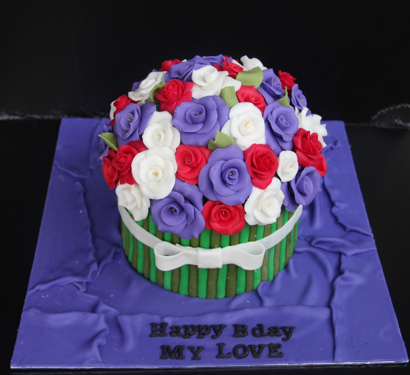 Emas creation flower bouquet cake all the decoration are hand made and made from sugar paste izmirmasajfo