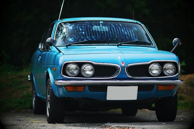 klasyczna Honda 1300, stare samochody, dawne auta, nostalgic, rare, old japanese cars, grianghraf