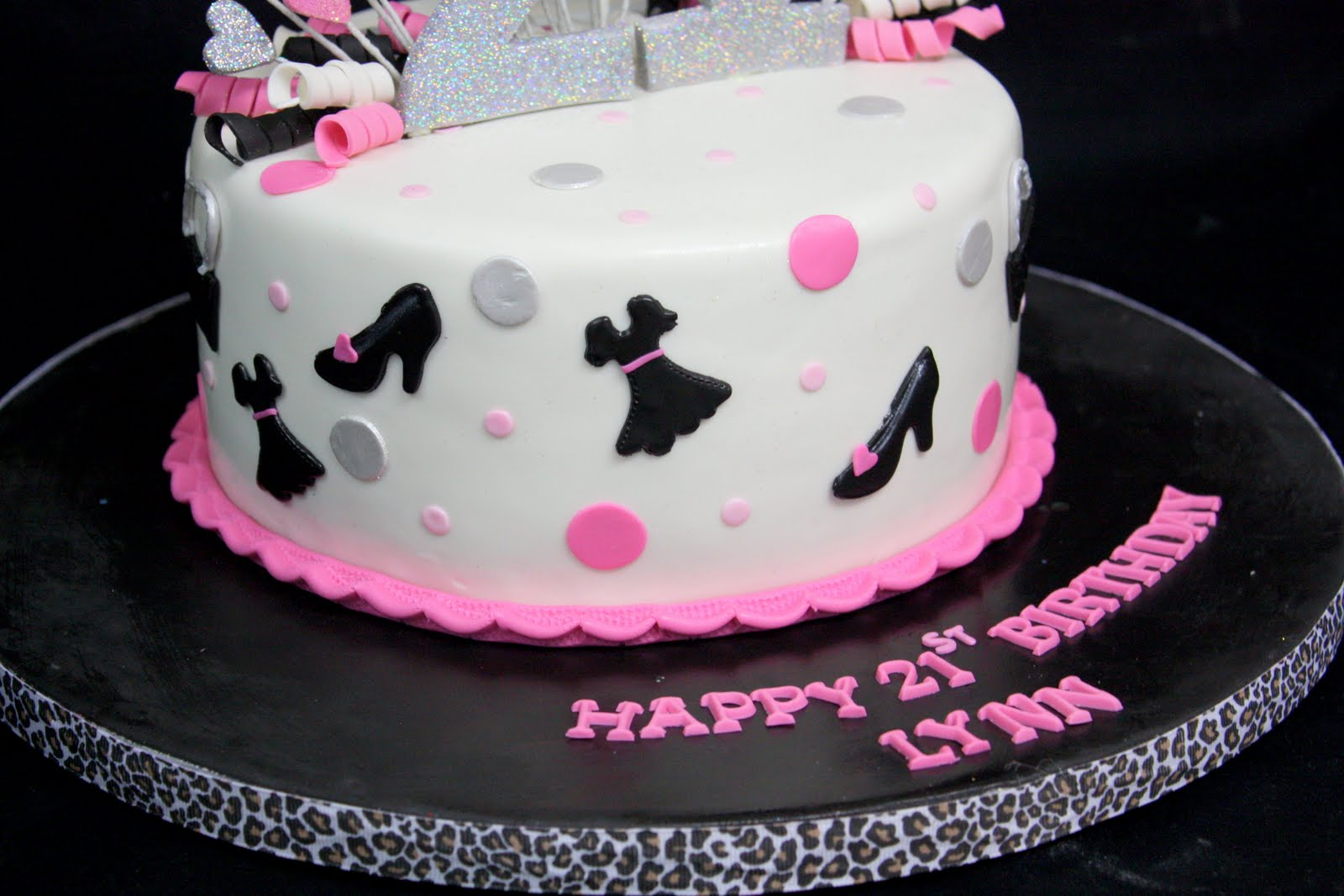 Birthday Cake Images Glitter : Complete Deelite: Fashion Glitter 21st Birthday Cake!